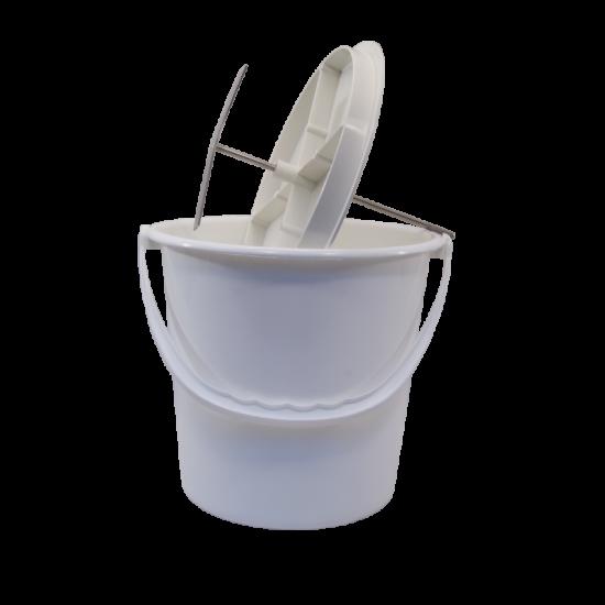 Pulpmaster Apple / Fruit Pulping Tool And 2 Gallon Bucket